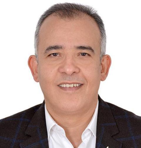 د. ايمن حسن -استاذ العلوم المالية والادارية والخبير المصرفي