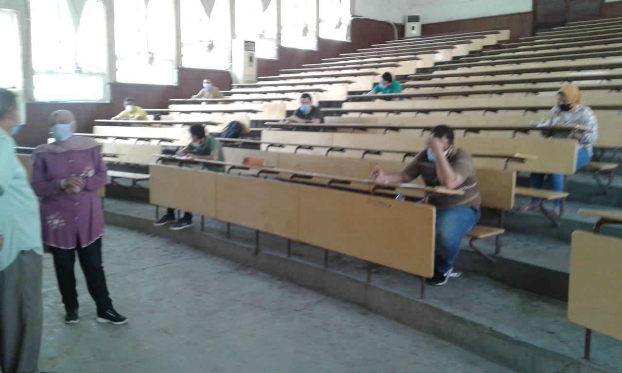جولة تنقدية لامتحانات الفصل الثانى للفرق النهائية