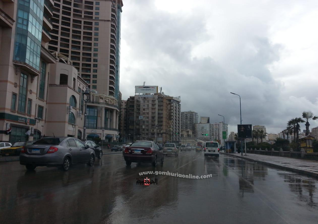 امطارغزيره تتساقط على المدينة تصوير  واثق حسين