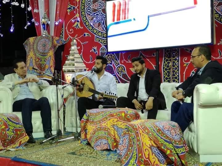 شاعر غنائي ومطرب ومنشد ضيوف الحلقه الأولى