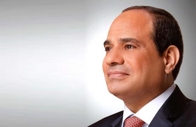 الرئيس يفتتح عددًا من المشروعات التابعة لهيئة هيئة قناة السويس
