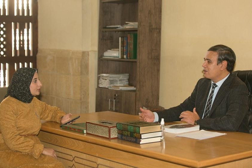 د. عبدالمنعم فؤاد يتحدث مع عقيدتي