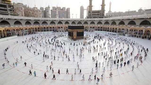 السعودية.. تفاصيل إطلاق البوابة الإلكترونية للراغبين بالتسجيل للحج.. وقصره على المواطنين والمقيمين