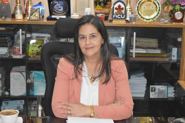 د هويدا مصطفي عميدة كلية اعلام القاهرة