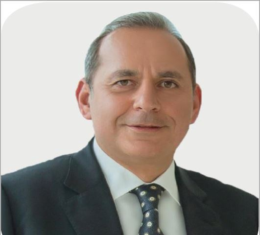 هشام عكاشه رئيس مجلس اداره البنك الاهلي المصري