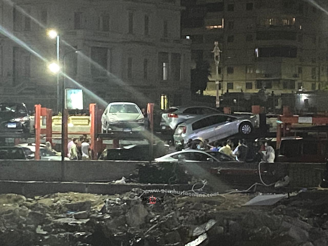 سقوط سيارة ملاكي من الطابق الثانى بجراج  منطقة المشى السياحي  جليم باى تصوير واثق حسين