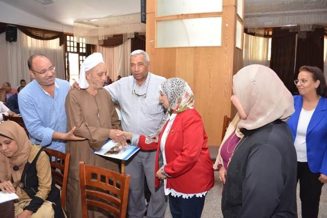 تمكين الجمعيات الاهليه لمكافحة ختان الاناث بقري اسيوط
