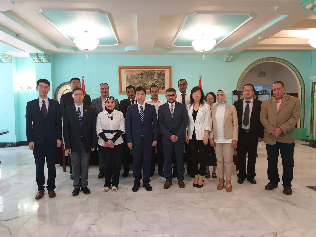 ممثلى حزب حماة وطن مع المسؤولين الصينيين بالقنصلية