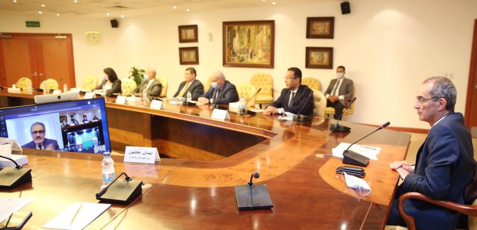 وزير الانصلات يوقع اتفاقية تعاون بين وزارة الاتصالات وجامعة الاسكندرية