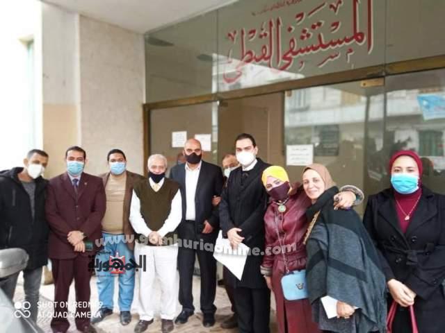 وفد حزب مستقبل وطن مع مدير المستشفى القبطى ومسئولوه
