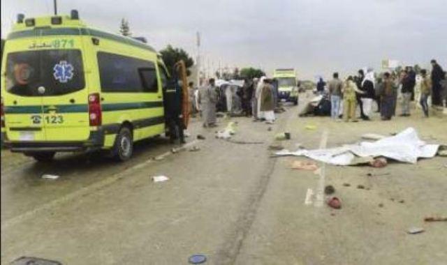 سيارة نقل تصطدم بتوك توك فتقتل تلميذين وتصيب 4