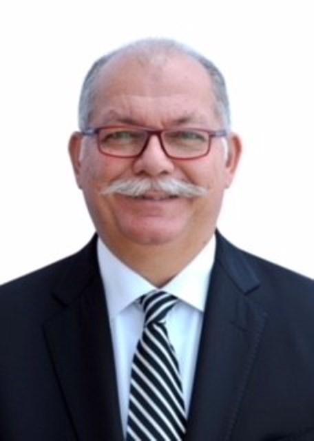 أحمدمنصف الرئيسالتنفيذيلمجموعةشركات