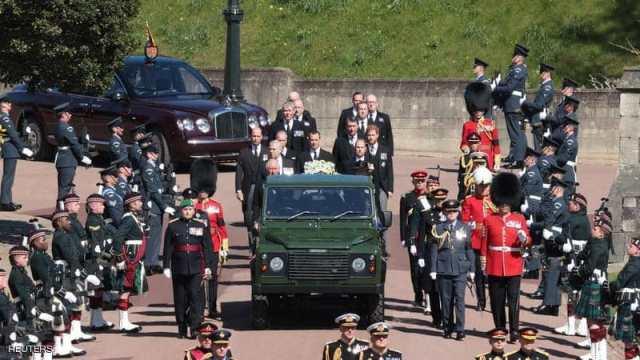 بحضور الملكة اليزابيث الثانية.. بدء مراسم تشييع الامير فيليب