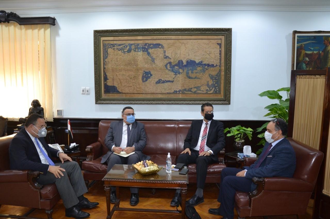 رئيس جامعة الاسكندرية يستقبل نائب رئيس جامعة حمدان بن محمد
