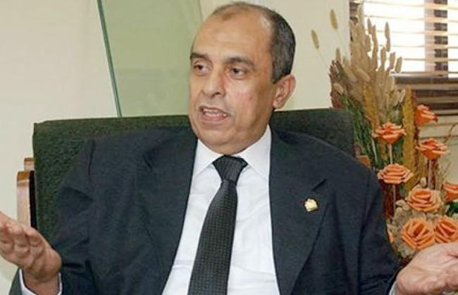 الدكتور عزالدين ابوستيت وزير الزراعة واستصلاح الأراضي
