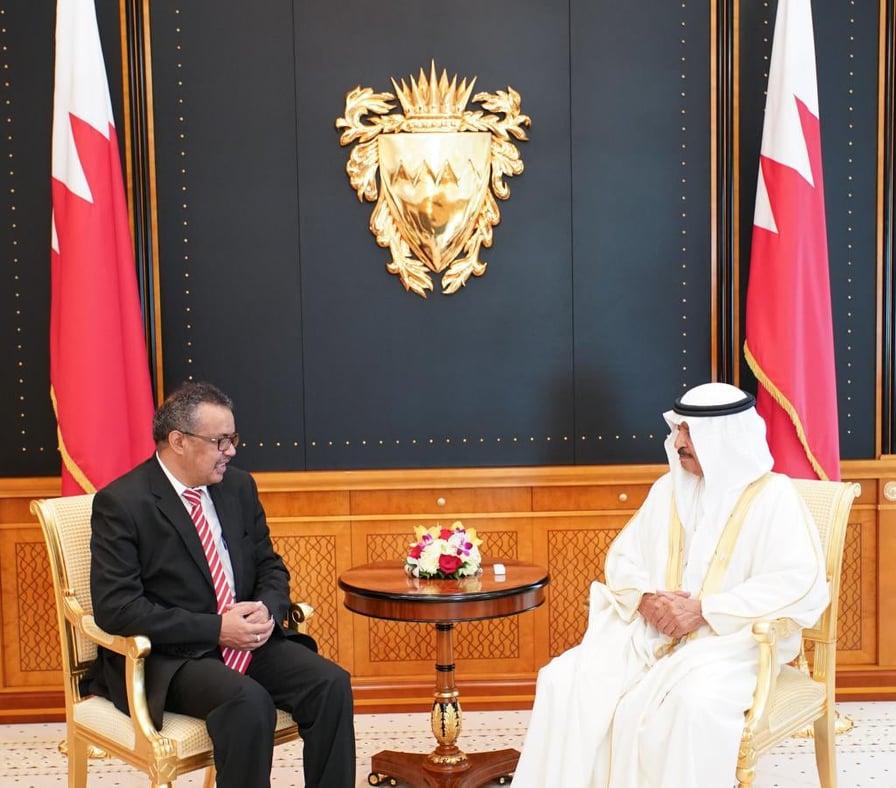 الأمير خليفة بن سلمان والمدير العام لمنظمة الصحة العالمية