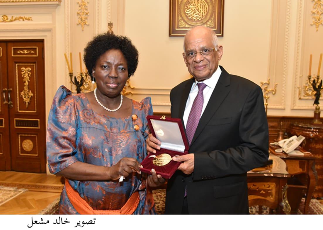 الدكتور علي عبدالعال ورئيس البرلمان الأوغندي
