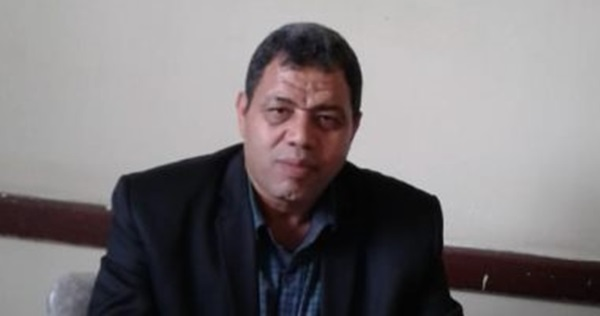 هشام امام مدير مدرسة الفاروق الثانوية