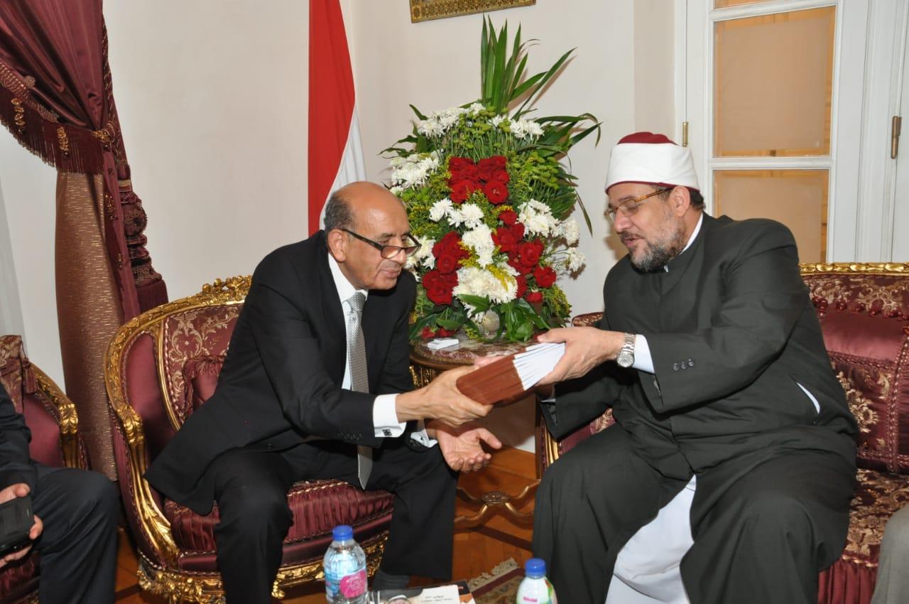 رئيس مجلس الدوله يستقبل وزير الأوقاف