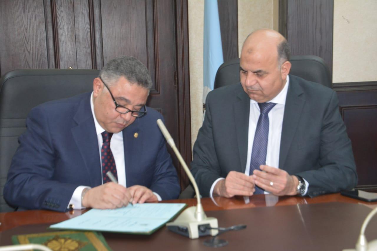 توقيع البرتوكول بين محافظة البحرالأحمر ووزارة الإتصالات
