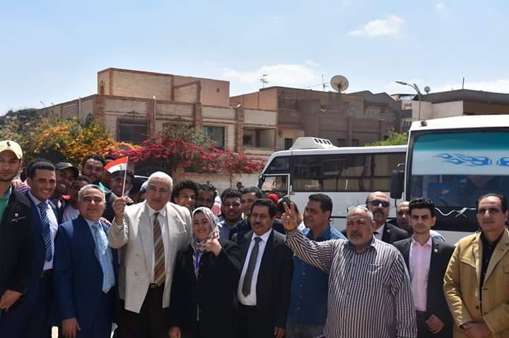 رئيس جامعة السادات يتقدم الموكب