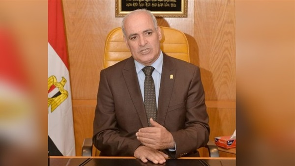 د. أحمد جابر شديد رئيس جامعة الفيوم