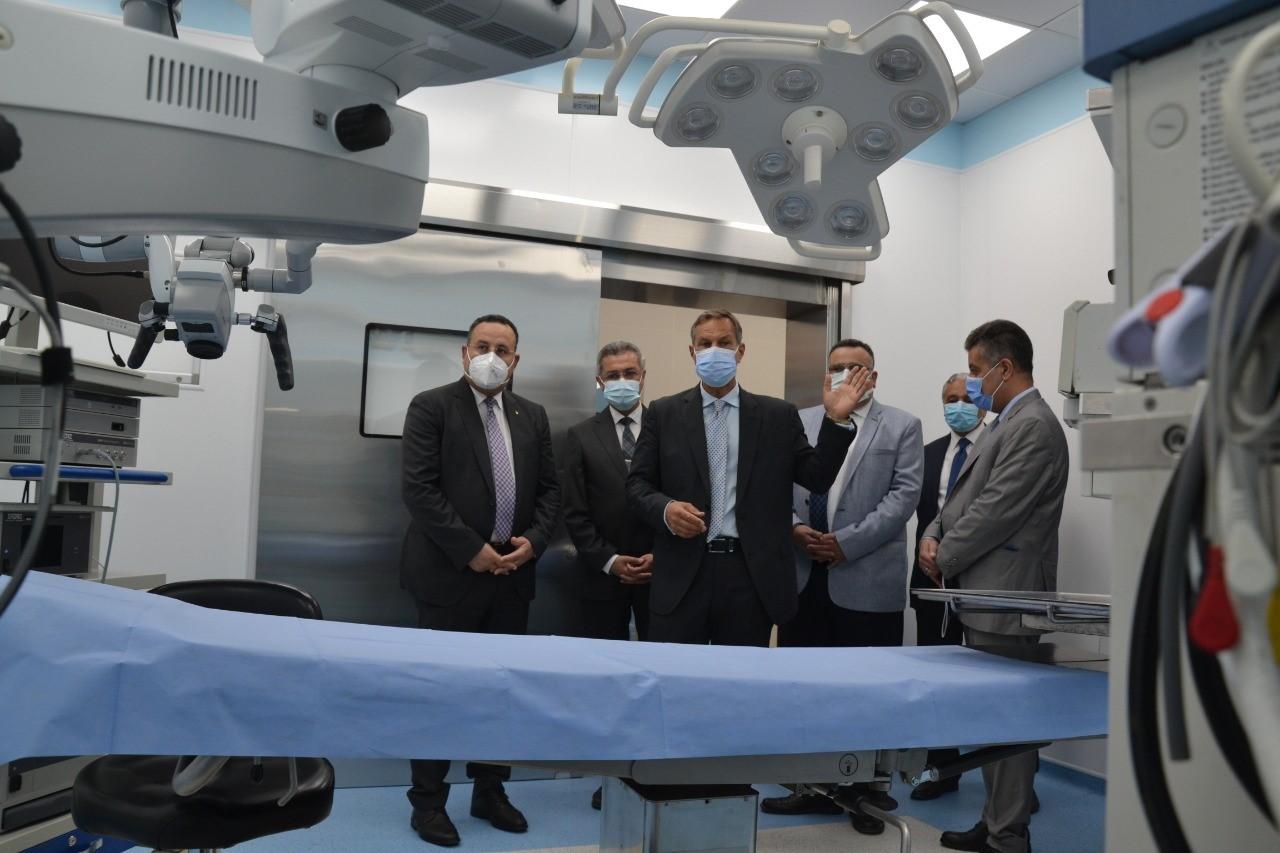 رئيس جامعة الاسكندرية يفتتح اعمال تطوير قسم الاذن والانف والحنجرة بمستشفى الحضرة الجامعى