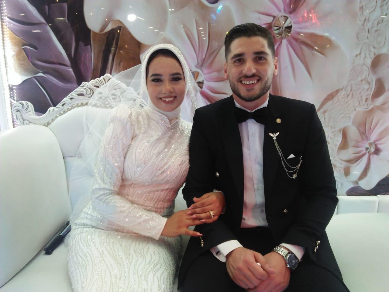 العريس الدكتور محمود مطاوع والعروس الدكتوره خلود شاهين
