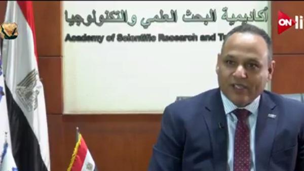 الدكتور محمود صقر رئيس اكاديمية البحث العلمى