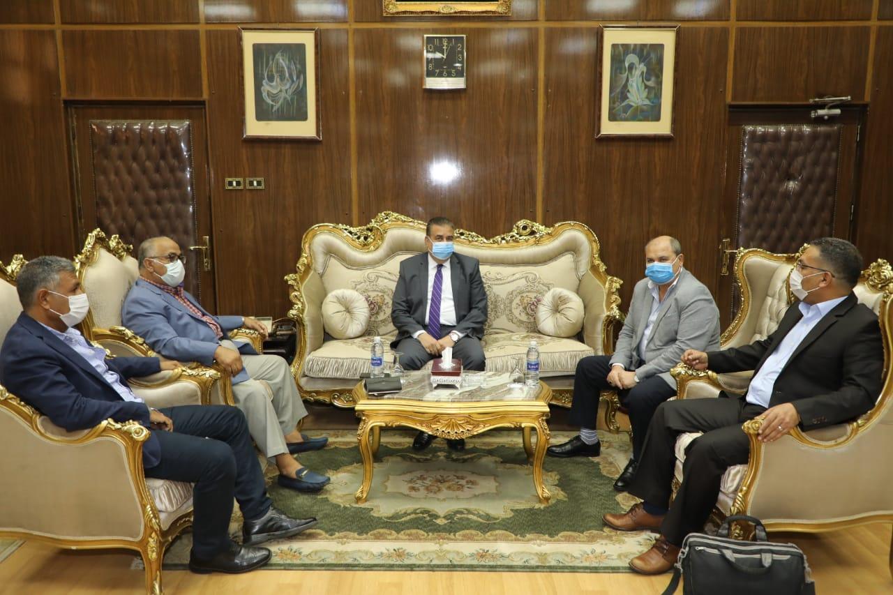 محافظ المنوفية ولقاء وفد شركة نهضة مصر للخدمات البيئية الحديثة