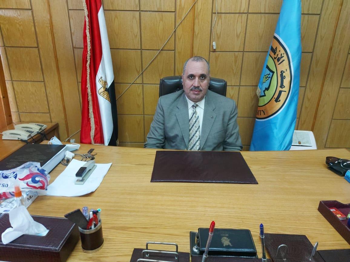 الدكتور إبراهيم عبد الرازق ويح