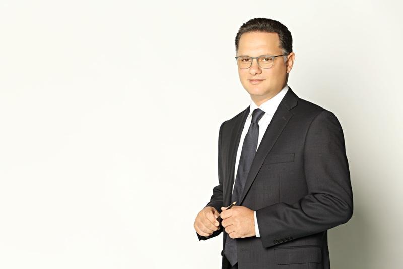 الإعلامي شريف عامر
