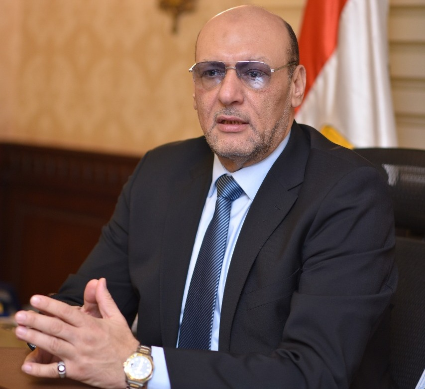 الدكتور حسين أبو العطا