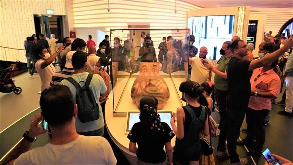 جانب من المعرض بالجناح المصري