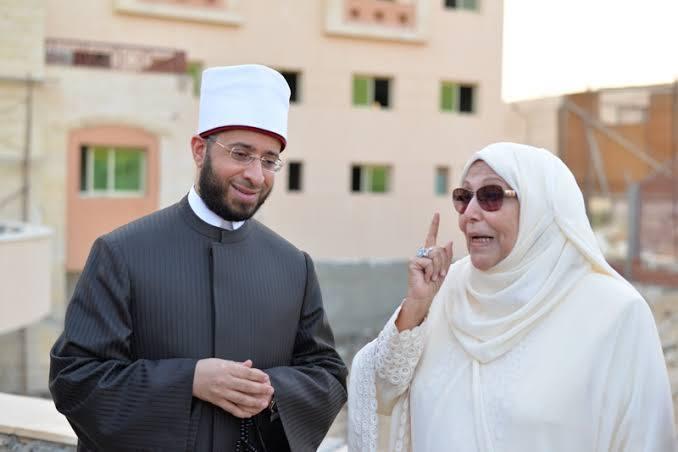 د الأزهري مع الدكتورة عبلة الحكلاوي