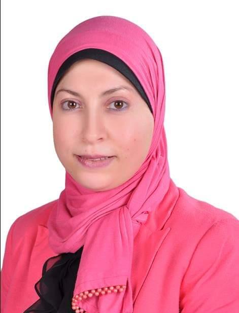 د. نسرين عبد العزيز- الأستاذ المساعد بقسم الإذاعة والتليفزيون