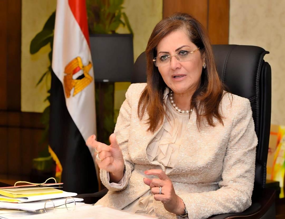 وزيرة التخطيط تعتمد 200 مليون جنيه لمستشفيات جامعة أسيوط