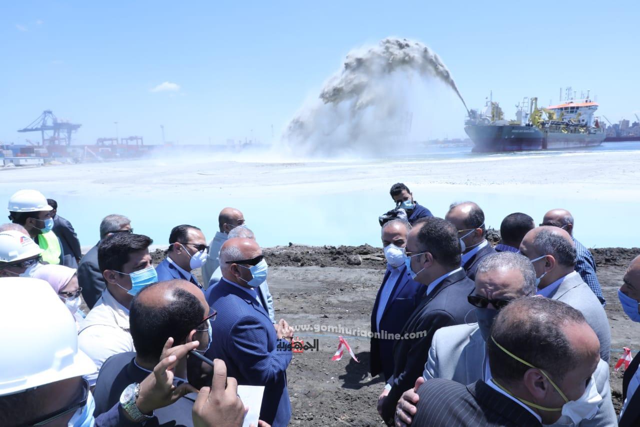 جولة الوزيرولجنة النقل والمواصلات بمجلس النواب لتفقد المشروعات بميناء الاسكندري-