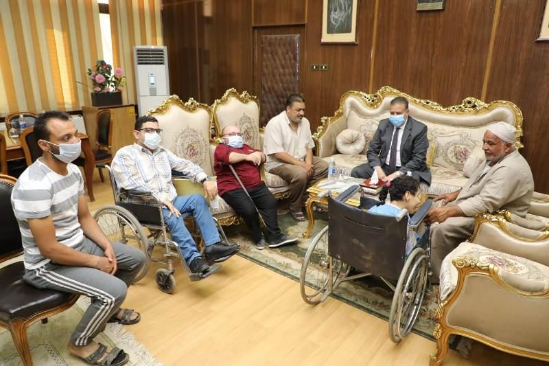 محافظ المنوفية ولقاء مع بعض المواطنين لحل مشاكلهم