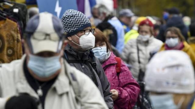 رويترز: كورونا.. الإصابات العالمية تتجاوز 113.67 مليون والوفيات أكثر من مليونان ونصف