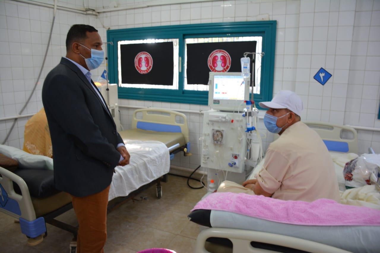 مختار يلتقى بالمرضى بمستشفى بلقاس