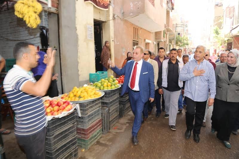 محافظ المنوفية يتفقد سوق مدينة سرس الليان