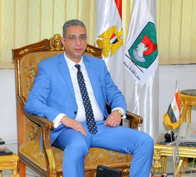 الدكتور احمد الانصارى محافظ سوهاج