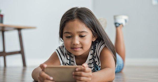انتبه  حيله سلبية يستخدمها يوتيوب لجذب اطفالك لها تأثير سلبى