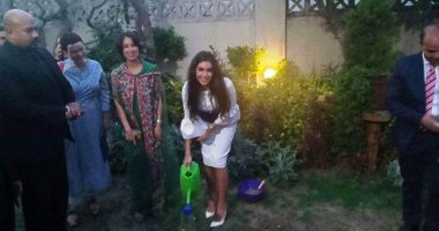 ياسمين صبرى و جينا ايريرا تزرعان شجرة  الحفاظ على البيئة بحديقة القنصلية الفرنسية