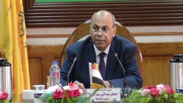 تعيين وتجديد تعيين 8 عمداء جدد بجامعة المنيا