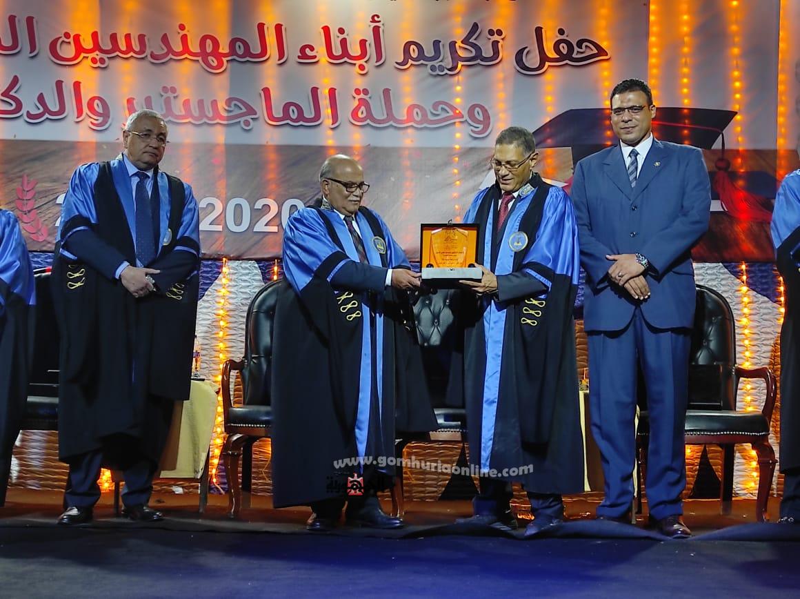 تكريم الأساتذة والمتفوقين بنادي المهندسين البحرى بالإسكندرية
