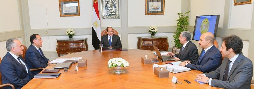 الرئيس  خلال الاجتماع مع الوزراء