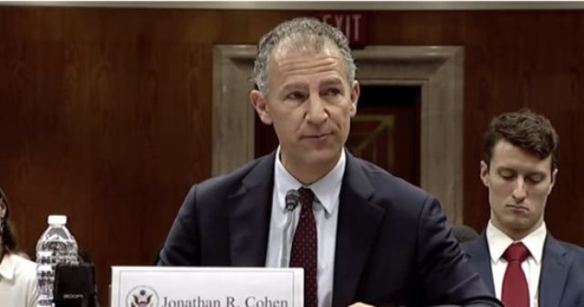 جوناثان كوهين السفير الأمريكي في القاهرة
