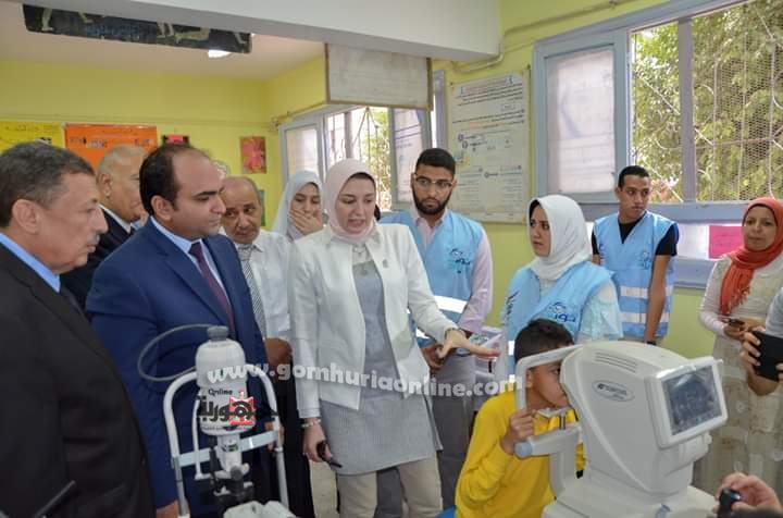 أحمد جمال نائب محافظ الإسكندرية يتابع تنفيذ مبادرة نورالحياة بأحدى المدارس